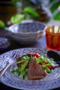 ヤムヌア 牛肉のサラダ タイ料理の写真素材 [FYI03879121]