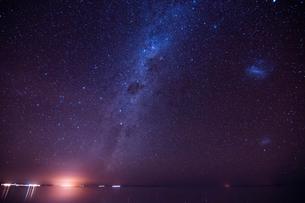 ウユニ塩湖の星空の写真素材 [FYI03879252]