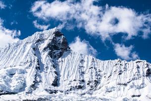 ワスカラン国立公園 雪山の写真素材 [FYI03879257]