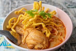 タイ料理のカオソイの写真素材 [FYI03879310]