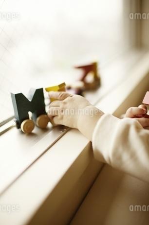 赤ちゃんの手の写真素材 [FYI03880727]