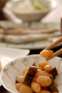 煮豆と朝食の写真素材 [FYI03881449]