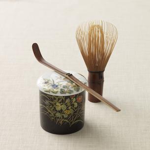 棗と茶杓と茶筅の写真素材 [FYI03881499]