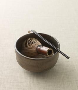 茶碗と茶杓と茶筅の写真素材 [FYI03881515]