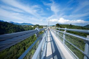 九重夢大吊橋の写真素材 [FYI03881906]