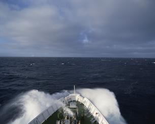 客船の船首の写真素材 [FYI03881979]