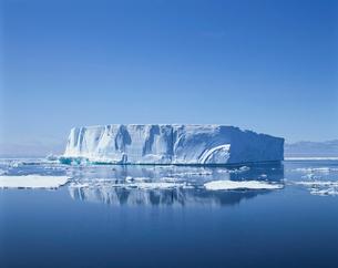 氷山の写真素材 [FYI03882604]