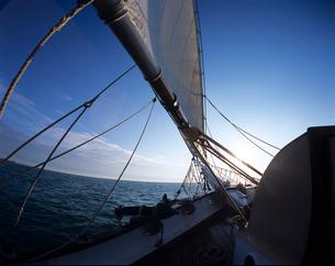 帆船の船首の写真素材 [FYI03883195]
