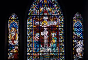 教会のステンドグラスの写真素材 [FYI03883374]