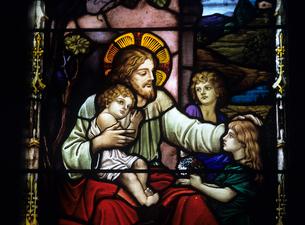 教会のステンドグラスの写真素材 [FYI03883443]