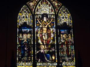 教会のステンドグラスの写真素材 [FYI03883444]