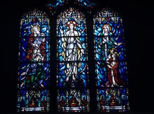 教会のステンドグラスの写真素材 [FYI03883445]