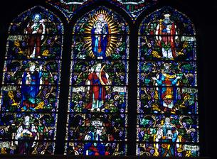 教会のステンドグラスの写真素材 [FYI03883446]