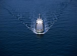 小型貨物船 瀬戸内海の写真素材 [FYI03883794]