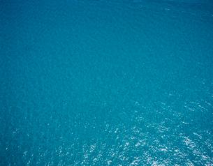 海面の空撮の写真素材 [FYI03883970]