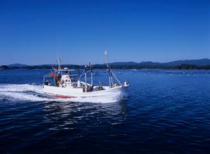 港に帰る漁船 南三陸町の写真素材 [FYI03884481]