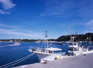 漁港に停泊する漁船 南三陸町の写真素材 [FYI03884482]
