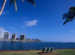 マジックアイランドから見たワイキキ ハワイの写真素材 [FYI03884644]