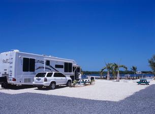 海辺のキャンピングカー フロリダの写真素材 [FYI03884773]