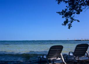 海辺のデッキチェア フロリダの写真素材 [FYI03884775]