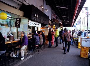 築地場外の飲食店の写真素材 [FYI03886214]
