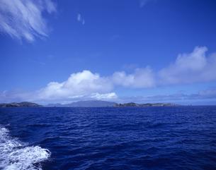 船から見た母島列島の写真素材 [FYI03887192]