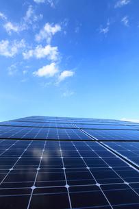太陽光発電のソーラーパネルの写真素材 [FYI03887348]