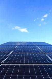 太陽光発電のソーラーパネルの写真素材 [FYI03887352]
