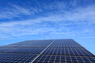 太陽光発電のソーラーパネルの写真素材 [FYI03887353]