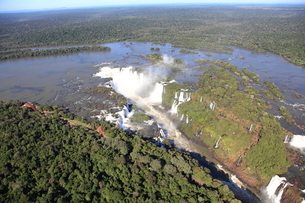 イグアスの滝の写真素材 [FYI03887685]