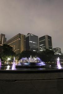 夜の日比谷公園の写真素材 [FYI03887710]