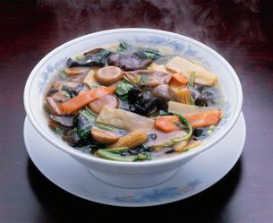 五目野菜うま煮ソバ(素菜麺)の写真素材 [FYI03903037]