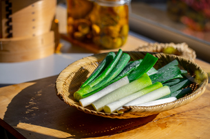 Japanese fresh green scallion.の写真素材 [FYI03908551]