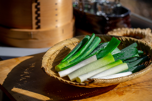 Japanese fresh green scallion.の写真素材 [FYI03908584]