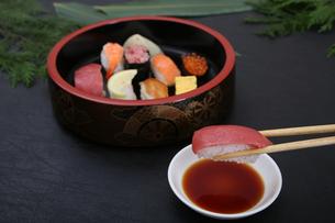 握り寿司の写真素材 [FYI03910958]