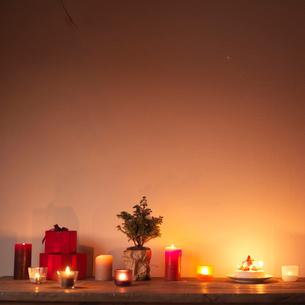 テーブルの上のクリスマスの写真素材 [FYI03912904]