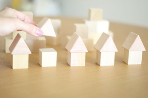 積み木の家の写真素材 [FYI03913897]