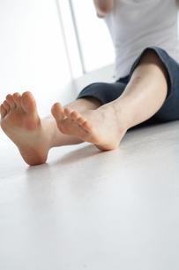 女性の足の写真素材 [FYI03916216]