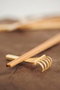 箸と箸置きの写真素材 [FYI03917288]