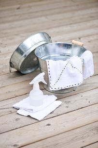 バケツと雑巾とスプレーの写真素材 [FYI03917865]