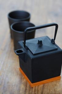 急須と湯飲茶碗の写真素材 [FYI03918159]