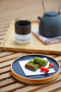 和菓子とお茶セットの写真素材 [FYI03918168]