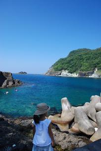 女の子と海の写真素材 [FYI03918753]