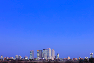 名古屋駅周辺の高層ビルと町並み 夜景の写真素材 [FYI03919140]