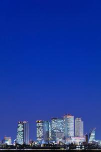 名古屋駅周辺の高層ビル 夜景の写真素材 [FYI03919207]