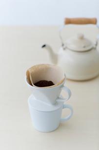 コーヒーとケトルの写真素材 [FYI03919324]
