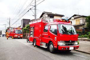 出動する消防車の写真素材 [FYI03920339]