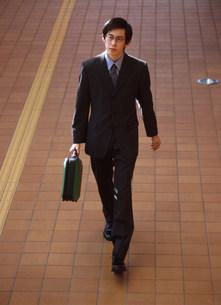 ビジネスマンの写真素材 [FYI03920374]