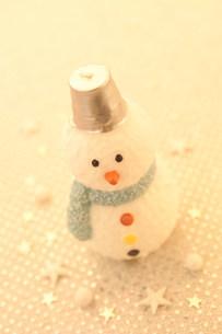 スノーマンのクリスマスイメージの写真素材 [FYI03920645]