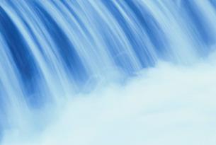水の流れのイメージの写真素材 [FYI03921788]